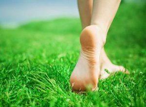Đi chân đất là nguyên nhân gây mụn cơm